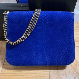 Gorgeous Cashhimi Leather snake embossed bag
